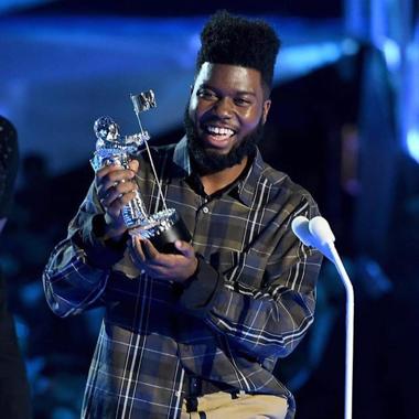 """Khalid gana el premio MTV VMA como """"Mejor nuevo artista"""""""