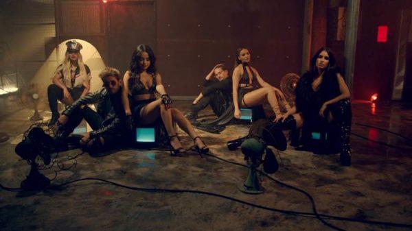"""Mau y Ricky estrenan el videoclip del remix de """"Mi mala"""" con las divas latinas del momento"""