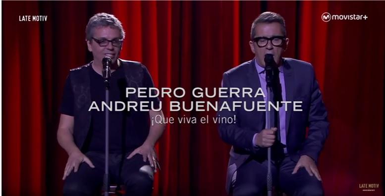 Pedro Guerra y Andreu Buenafuente interpretaron a dúo un tema con letra de Mariano Rajoy y música de la banda de Late Motiv