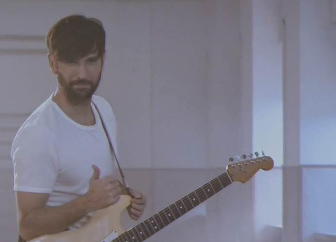 """David Otero desvela el videoclip de su nuevo single """"Jardín de flores"""""""