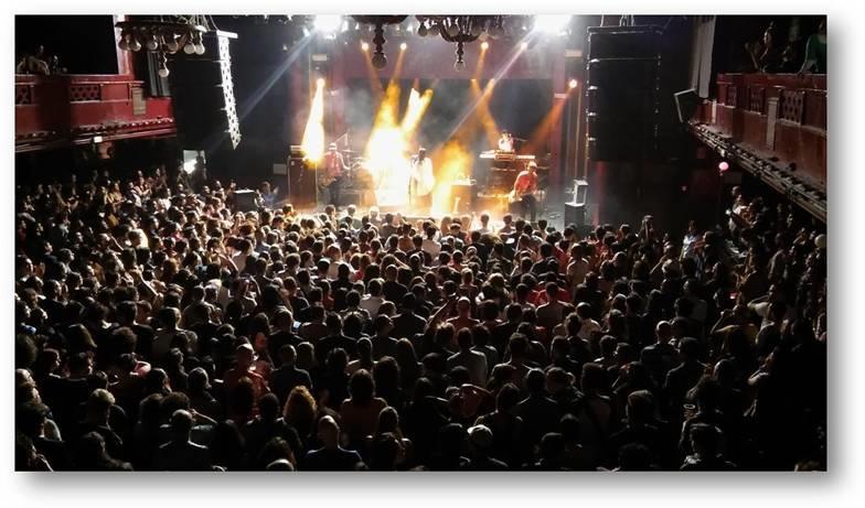 Aterciopelados cuelgan el cartel de entradas agotadas en su gira española
