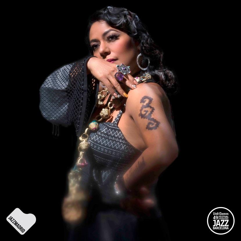 """Lila Downs presenta una edición especial de su disco """"Al chile"""""""