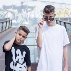 Imagen de Adexe & Nau músico del género Latino activo en Nueva música