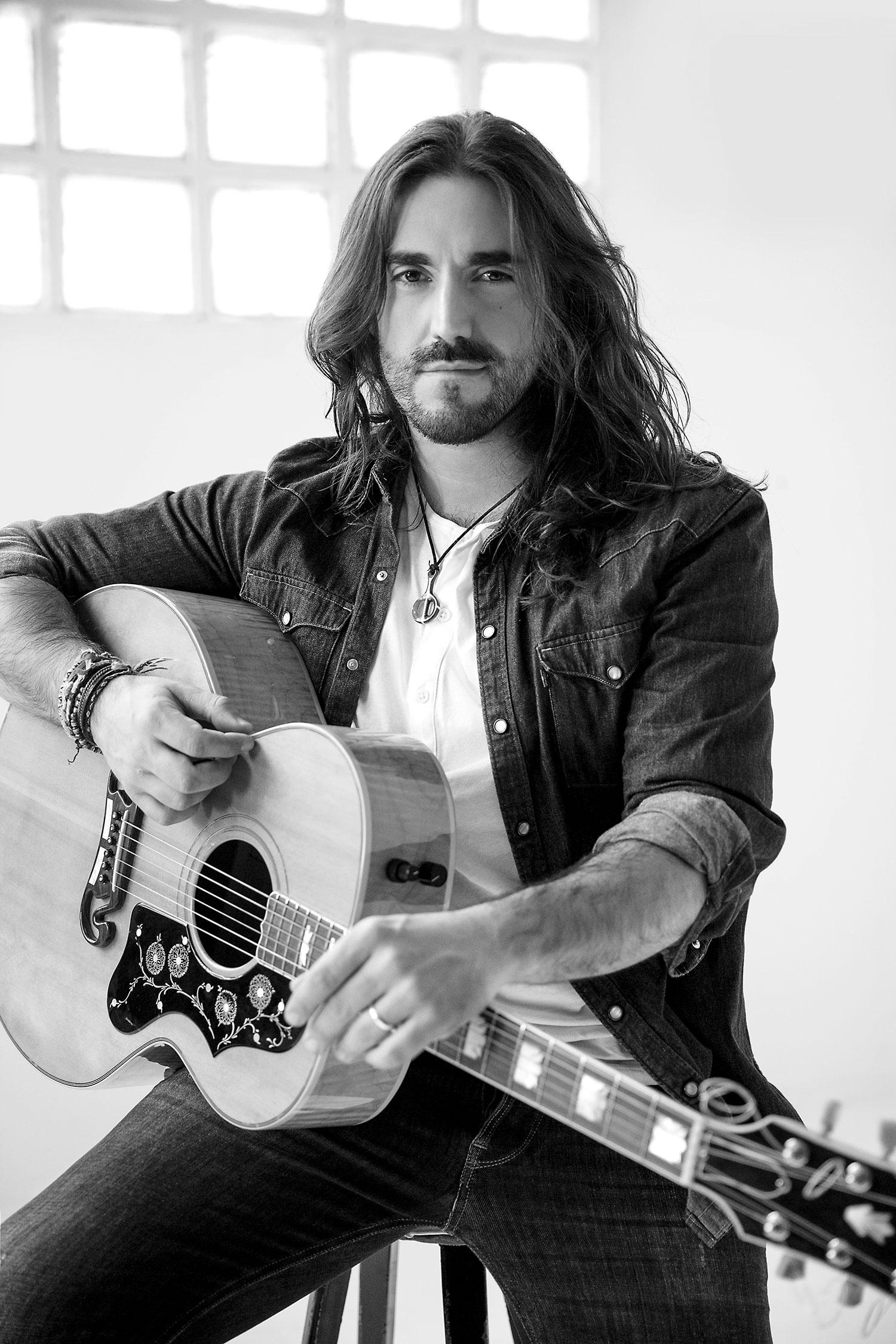 Imagen de Andrés Suárez músico del género Cantautor activo en Los 2010s