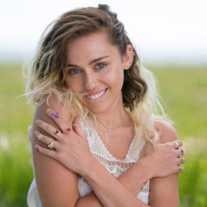Imagen de Miley Cyrus músico del género Pop activo en Los 2000s