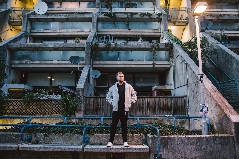 Imagen de Tom Walker músico del género Pop activo en Los 2010s