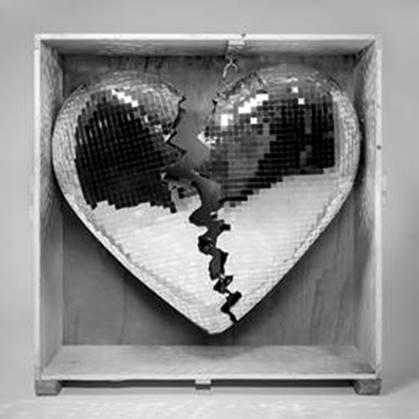 """Mark Ronson publica su nuevo single """"Find U Again"""" junto a Camila Cabello"""
