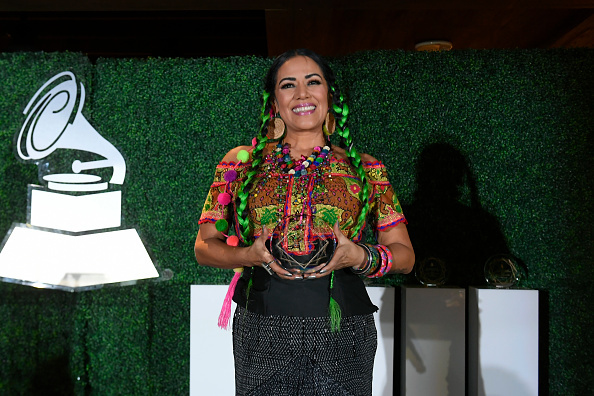 "Lila Downs recibe el galardón ""Leading Ladies of Entertainment"" en los Latin Grammys"