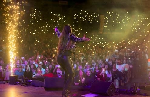 India Martínez y Estopa juntos en el escenario