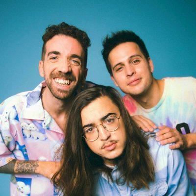Imagen del trío español Stay Homas