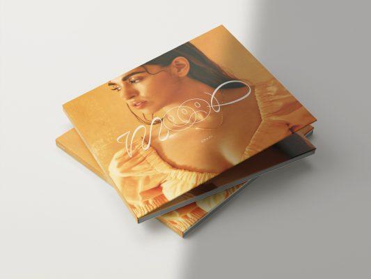 """Imagen del EP """"Mood"""" de la artista española Anaju, edición CD, que estará disponible el 18 de diciembre de 2020."""