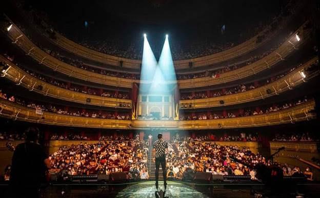 Imagen de Carlos Rivera en concierto en el Teatro Real