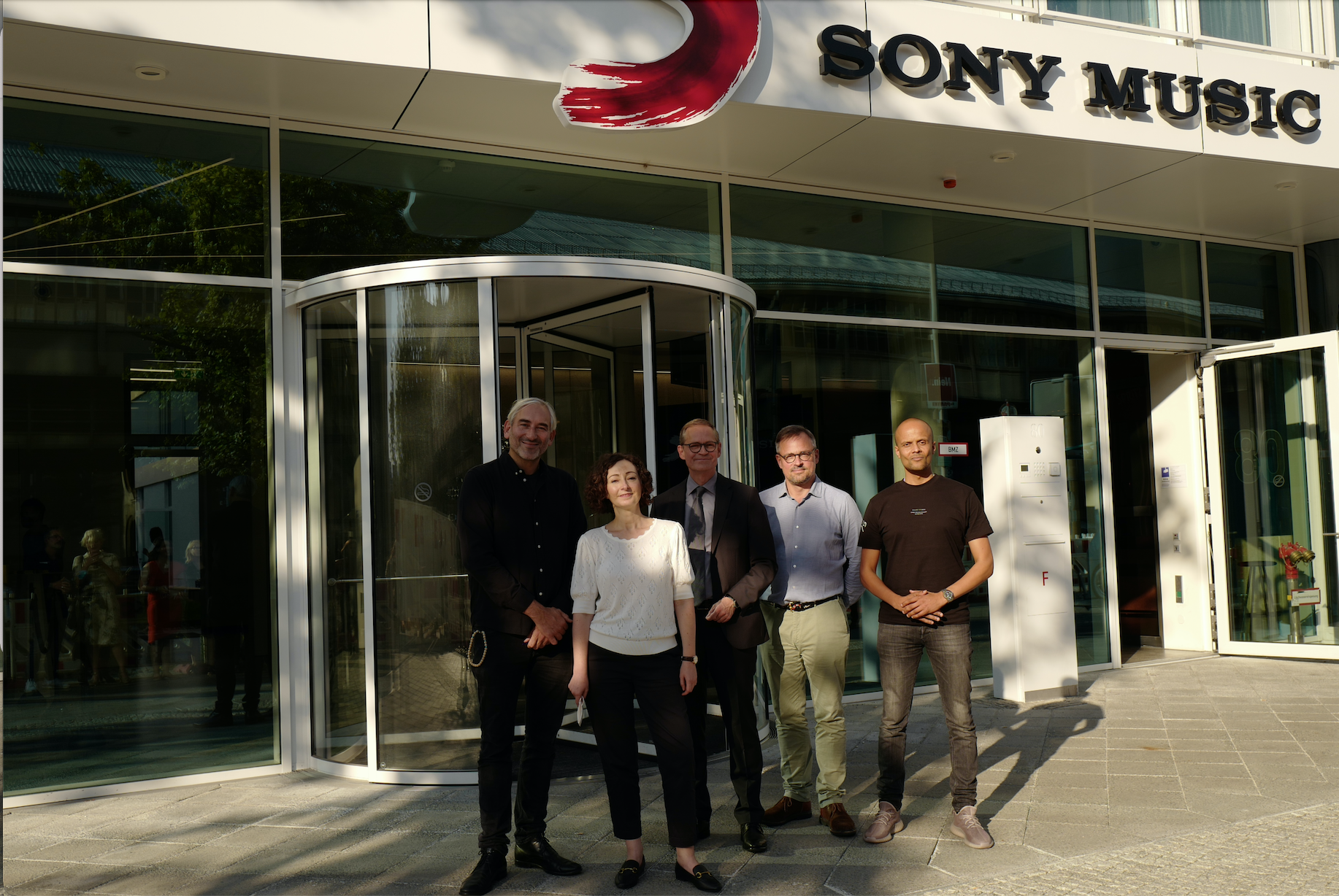 Governing Mayor Michael Müller and Senator Ramona Pop visit Sony Music in Berlin