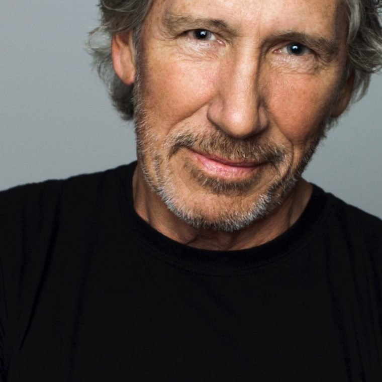 roger-waters-press-photo-2017-122021414-1920×989