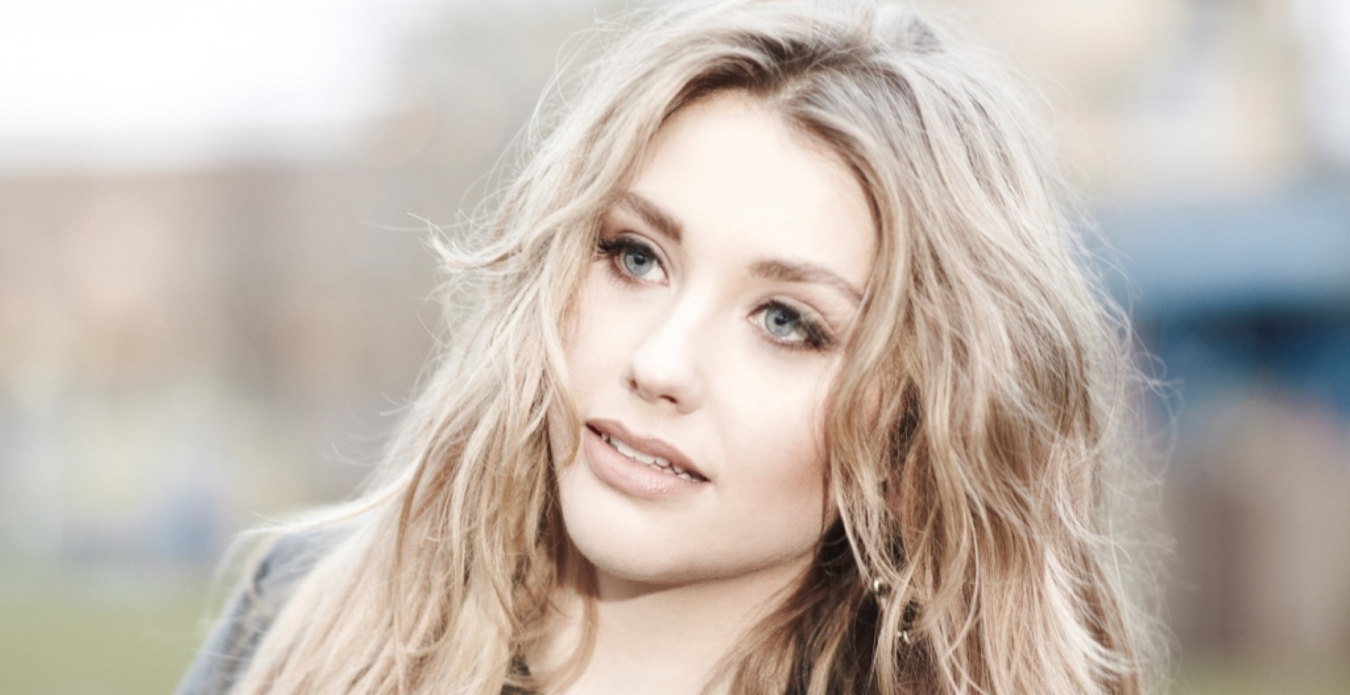 Ella-Henderson-New-Press-Image-1