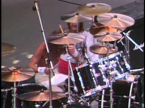 Ozzy Osbourne - Iron Man (Live)