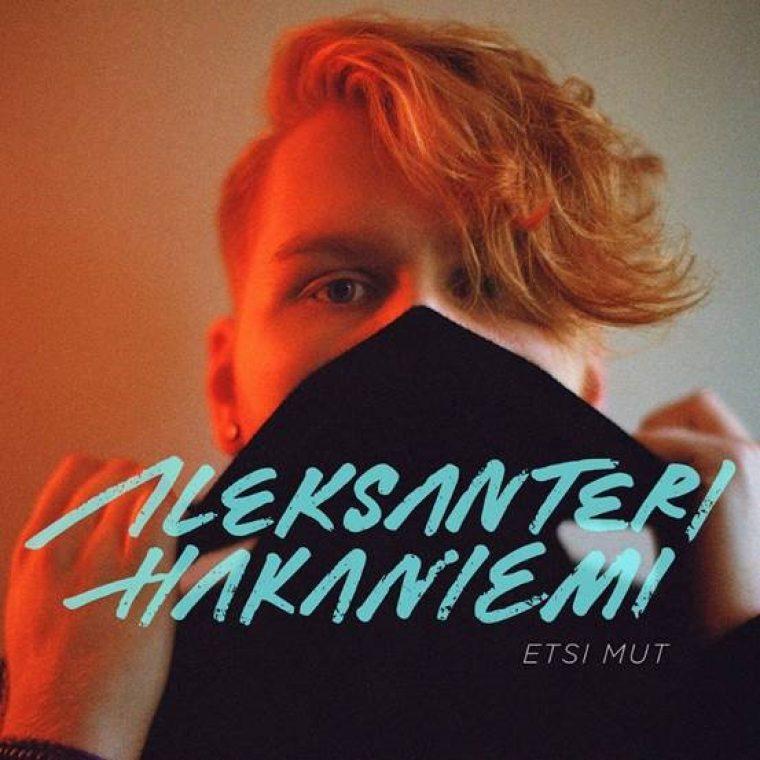 Taustajoukoista parrasvaloihin: Aleksanteri Hakaniemi julkaisi debyyttisinkkunsa