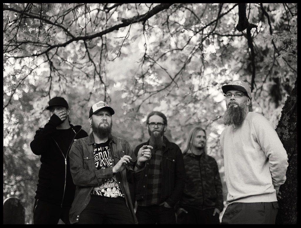 Metalliyhtye Mokoma julkaisi tänään akustisen albumin
