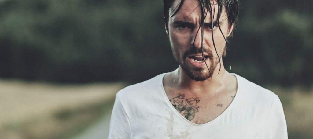 """LEOn tänään julkaistu """"Kaikki mitä rakastin"""" –musiikkivideo kuvattiin vain yhdellä otolla"""
