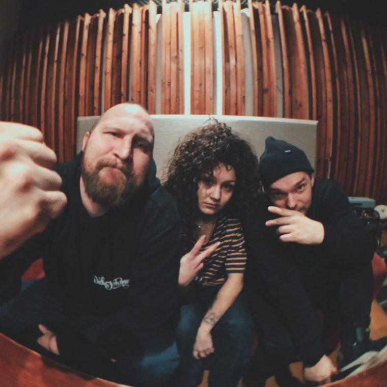 """Palefacen uudella singlellä """"Luonnonvoima"""" vierailee nuori rap-lupaus Etta"""