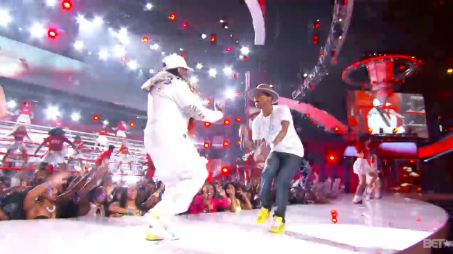 Live   Come Get It Bae & Pass That Dutch – BET AWARDS