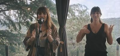 """ROZALÉN presenta la versión acústica de """"ESTE TREN"""""""