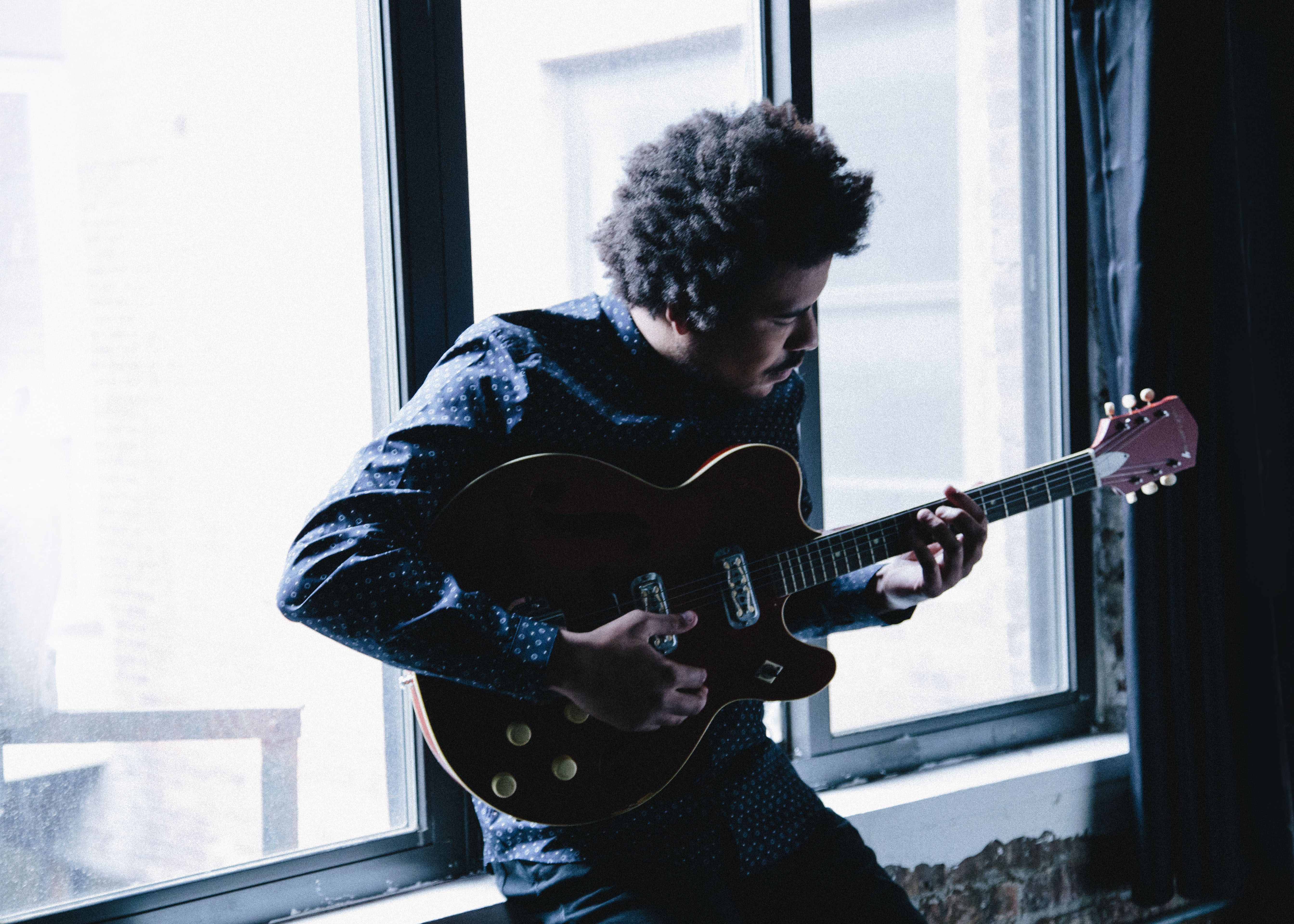 "New Video: UK rocker Liam Bailey's ""Stun Me"" Image"