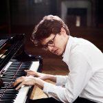 Lucas-Debargue-PR SHOT4 Yann Orhan_Sony Classical_low res-142108080