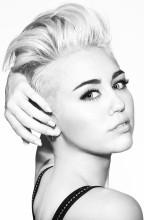 """Premiera najnowszego teledysku Miley Cyrus """"Wrecking Ball""""!"""
