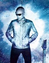 Joe Satriani prosi o pomoc fanów!