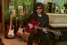 """ELO – media zachwycone nową płytą """"Alone In the Universe""""! Posłuchaj udostępnionych już fragmentów!"""