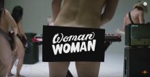 """AWOLNATION w hołdzie kobietom – kontrowersyjny klip """"Woman Woman"""" już teraz do obejrzenia!"""