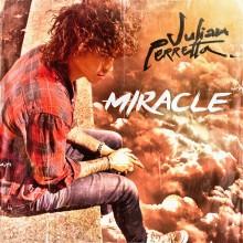 """JULIAN PERRETTA – prawdziwy cud na listach przebojów! Posłuchaj """"Miracle"""" już teraz!"""
