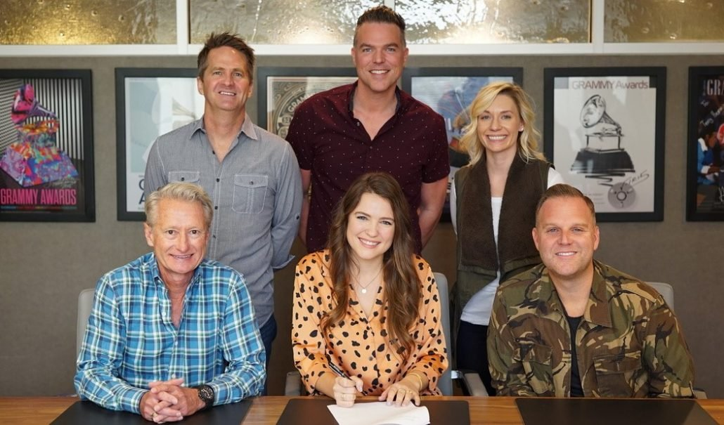 PROVIDENT LABEL GROUP AND MATTHEW WEST'S STORY HOUSE MUSIC SIGN SINGER/SONGWRITER LEANNA CRAWFORD thumbnail
