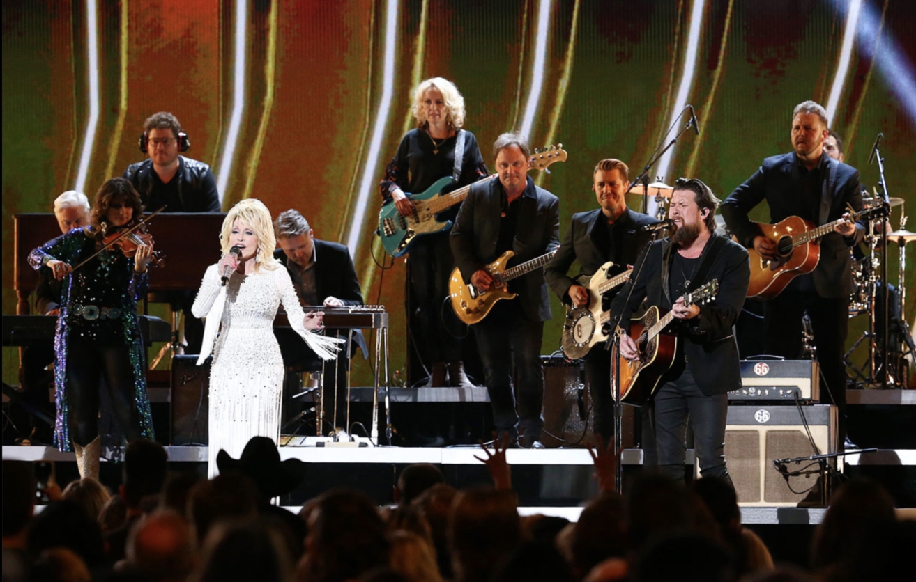 "ZACH WILLIAMS MAKES CMA AWARDS DEBUT WITH DOLLY PARTON PERFORMING THEIR ""STIRRING"" DUET ""THERE WAS JESUS"" thumbnail"