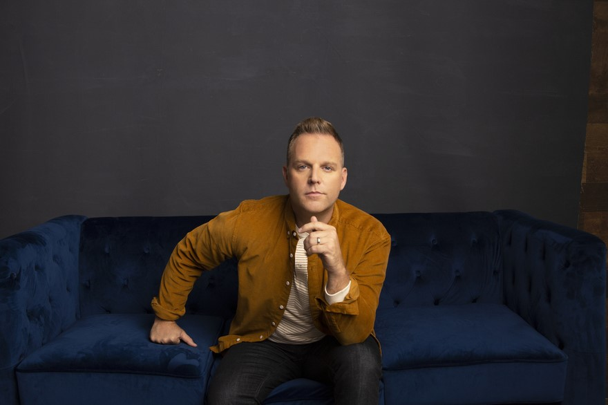 "MATTHEW WEST RELEASES YOUTUBE; LIVE RECORDING OF HIS ENCOURAGING AND TIMELY SONG ""HOPE RETURNS"" thumbnail"