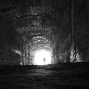 licht-am-ende-des-tunnels-e3539814-e56a-48cc-81ea-910a94297060
