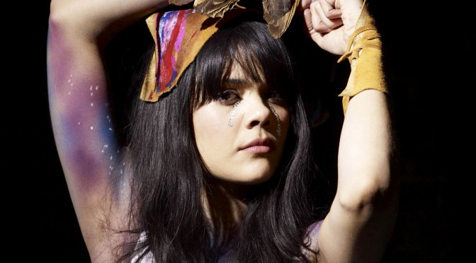 Bat For Lashes nos regala un nuevo video previo al lanzamiento de su disco