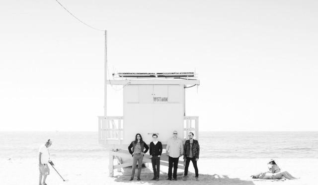 Weezer comparte un nuevo track de su 'White Album'.