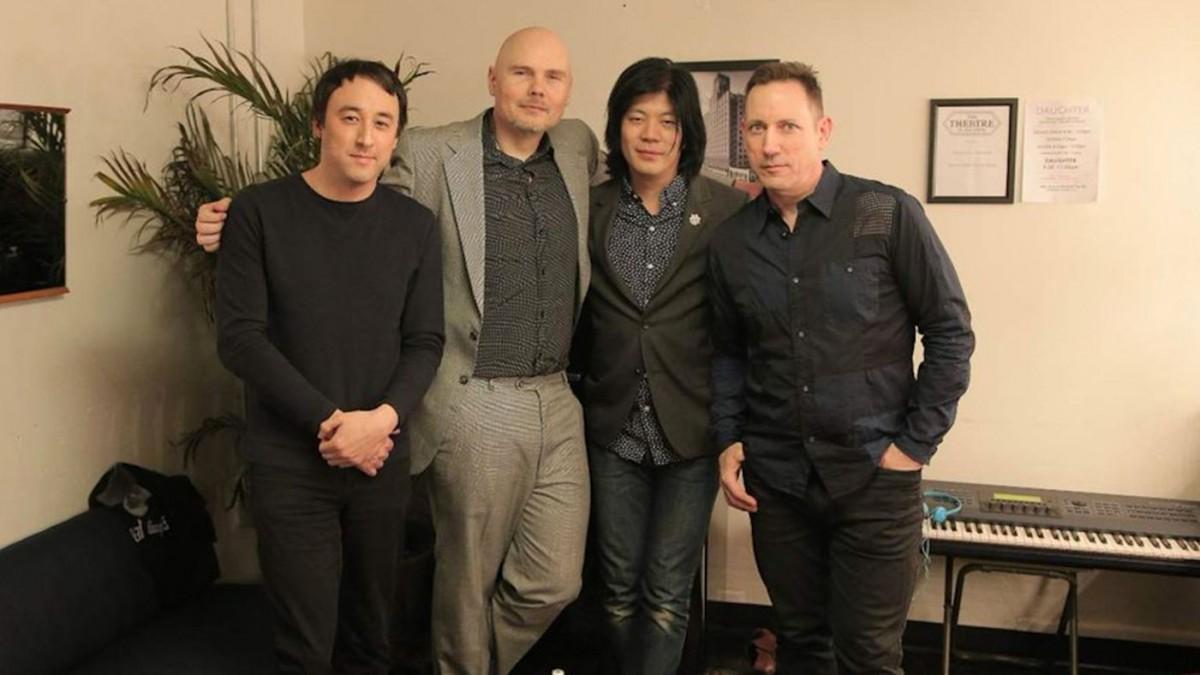 Billy Corgan se reunió con James Iha y estrenó un track nuevo para sus fans VIP