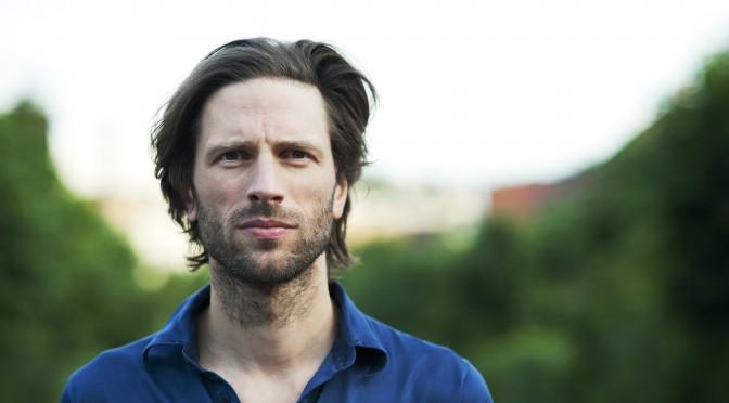 """Lindstrøm lanza canción """"Closing Shots"""" que se desprende de su próximo EP"""