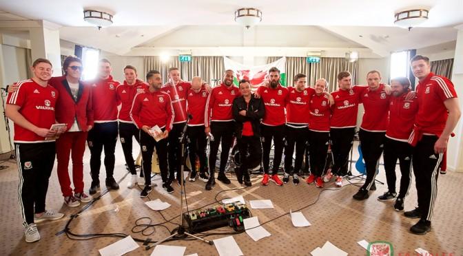 Manic Street Preachers serán parte de la Euro 2016