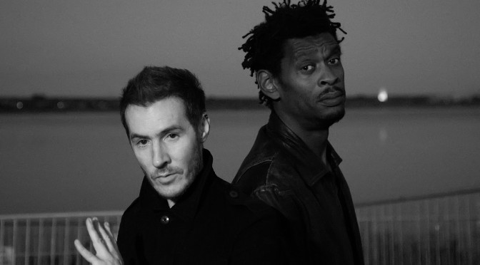 Massive Attack + Kate Moss… ¡Ufffff!