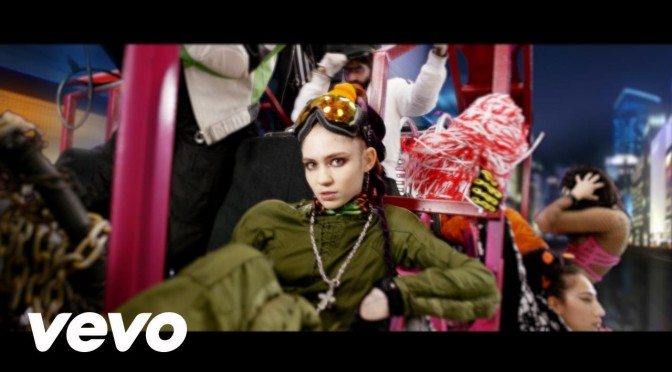 "Grimes comparte remix de ""Kill V Maim"" por Little Jimmy Urine"