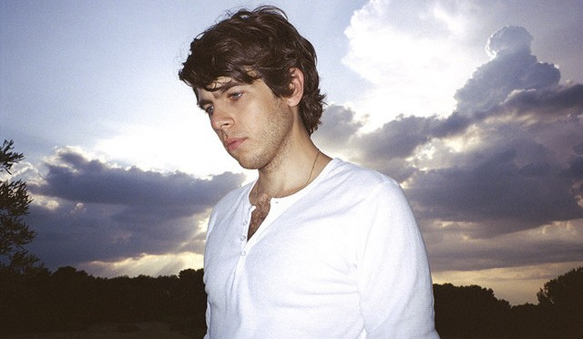 James Righton continúa la magia, pese a la reciente separación de Klaxons