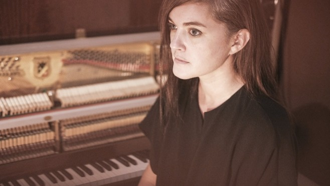 Un track celestial de Julianna Barwick en colaboración con MAS YSA