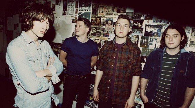 "Arctic Monkeys – ""Old Yellow Bricks"". #TrackDelDía"
