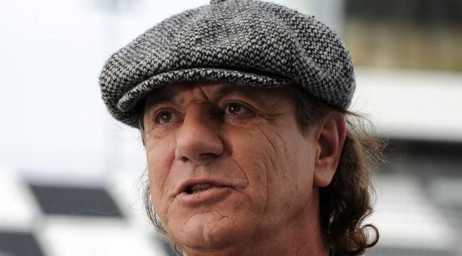 Brian Johnson explica a los fans su salida de AC/DC