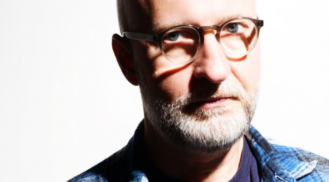 "Bob Mould lanzó vídeo para el single ""Hold On"""
