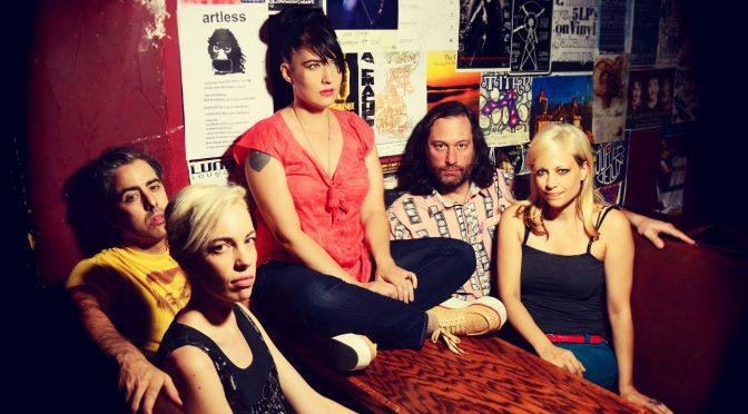 Ya viene 'Hit Reset', el nuevo álbum de The Julie Ruin